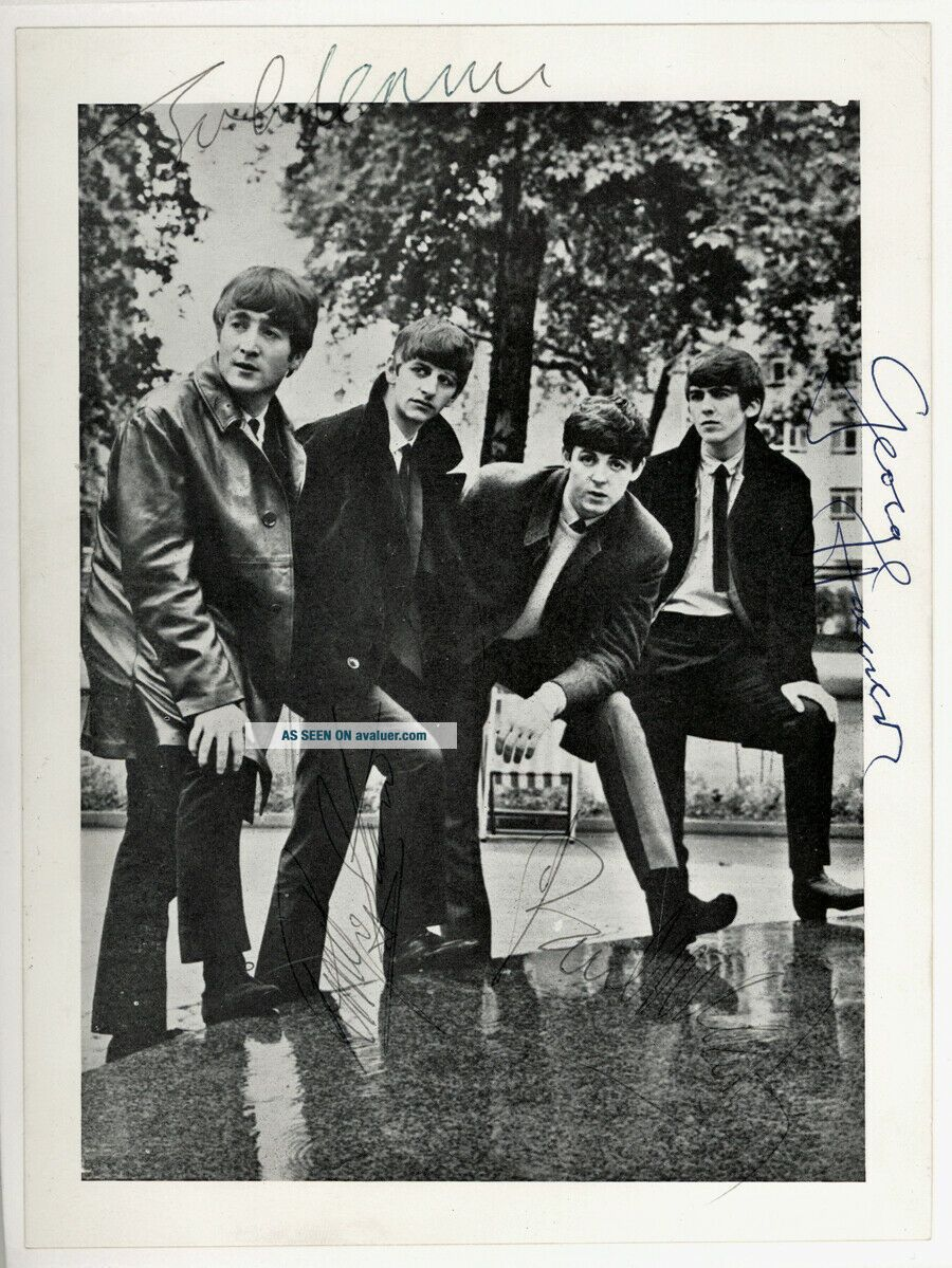 Beatles INCREDIBLE FULLY SIGNED BEATLES GLOSSY PHOTOGRAPH I RARELY GET THESE IN