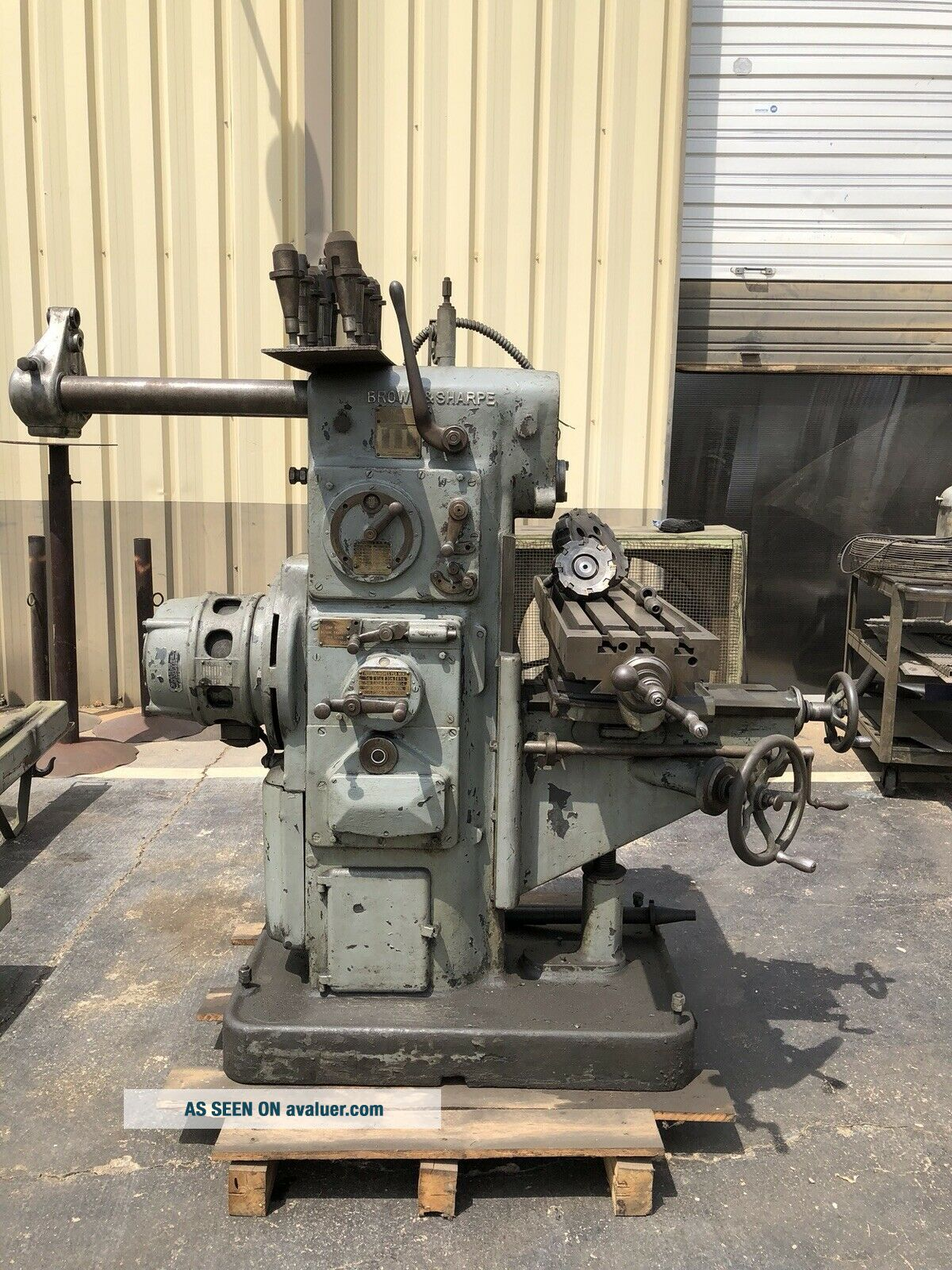 Antique Brown and Sharpe Universal No.  1 Milling Machine