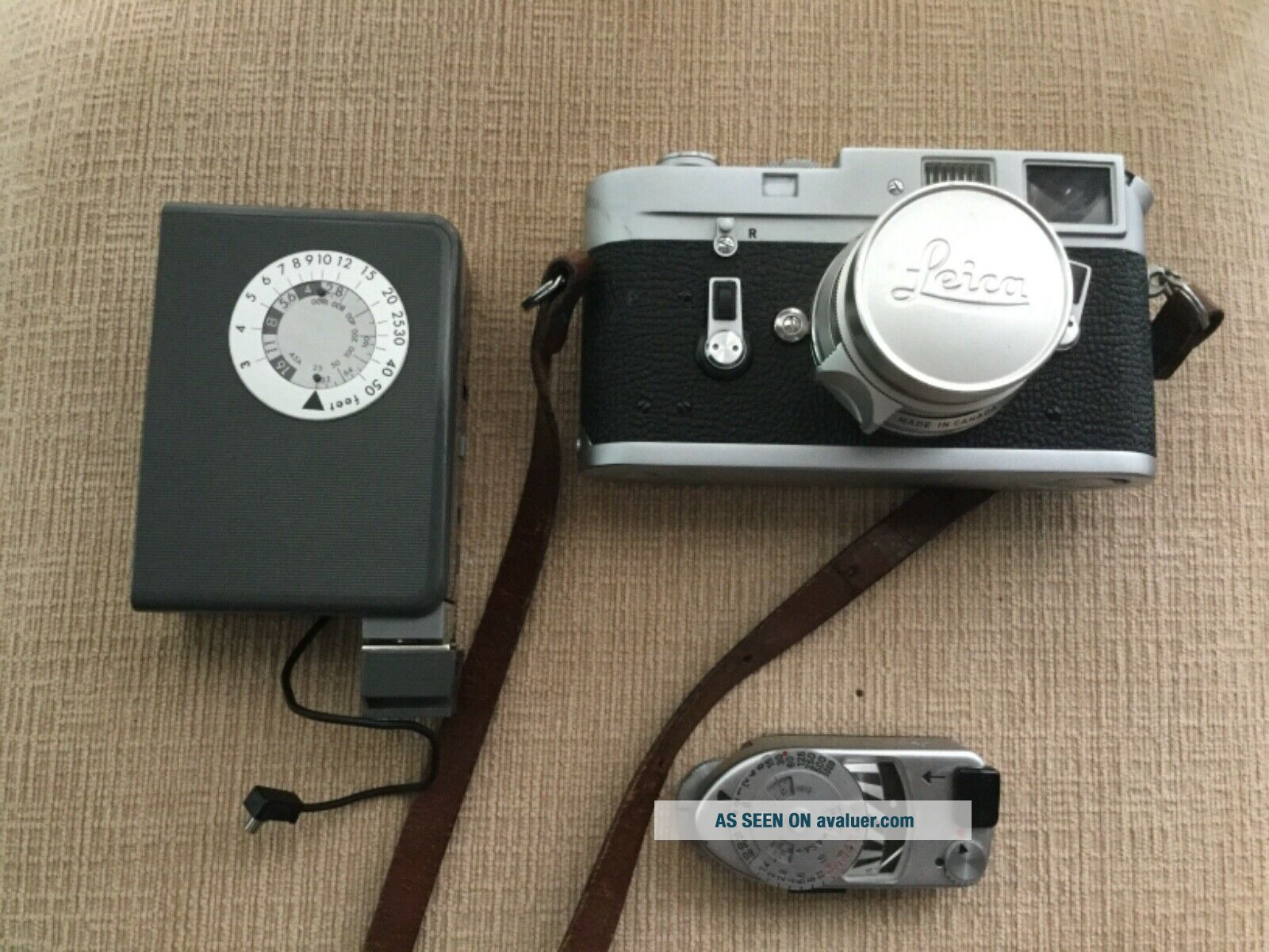 Leica M4 35mm Range Finder Film Camera with Leitz Summicron Lens