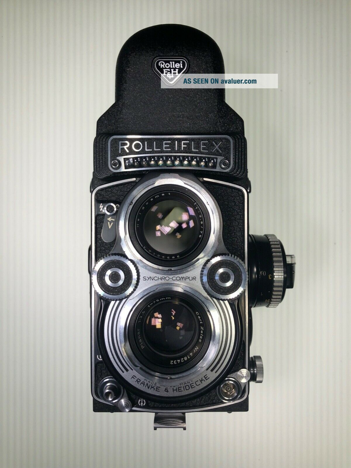 Rolleiflex 3.  5f TLR Camera Zeiss f3.  5 Planar 75mm with Prism and