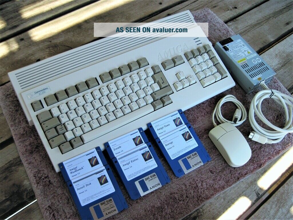 Commodore Amiga 1200 NTSC with 3.  0 rom,  2mb chip ram,
