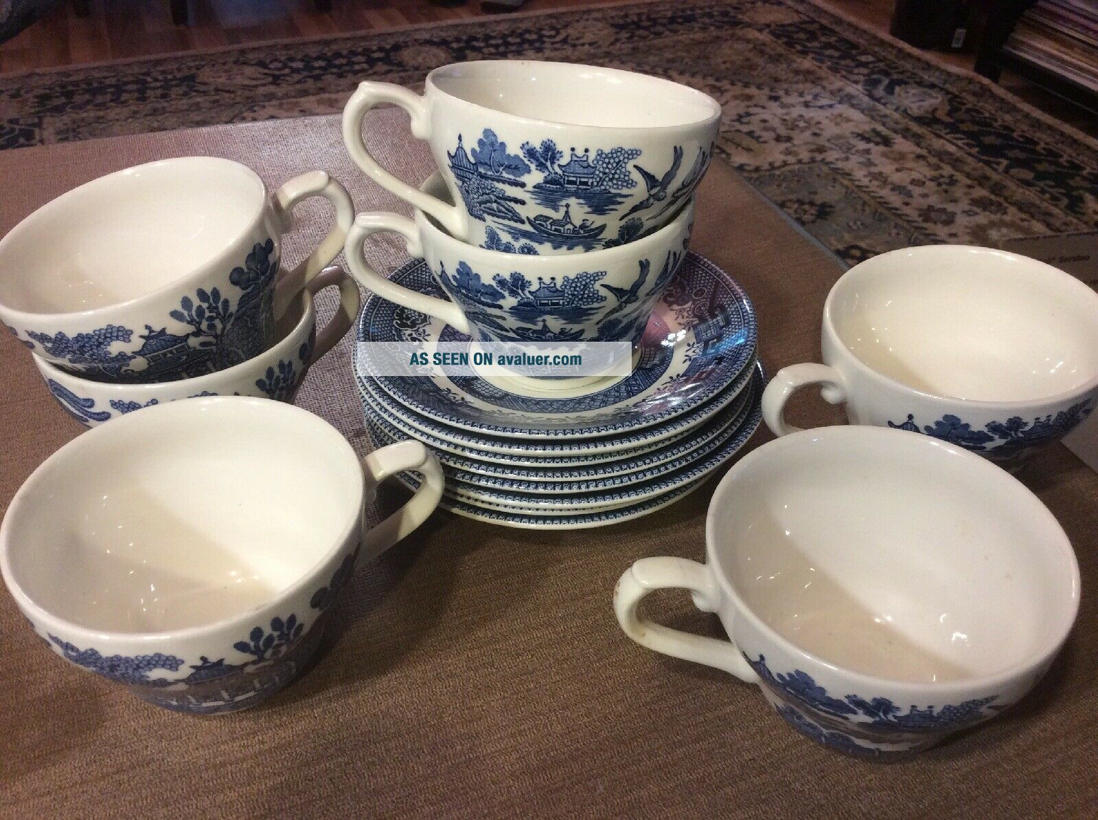 Set Of 7 Vintage Blue Willow Churchill Tea Cups Saucers England